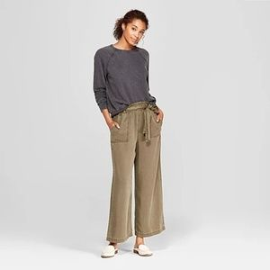 Universal Thread - Tie Waist Leg Crop Pants